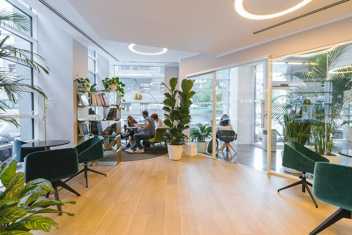 Managing the Convergence of the Physical and Virtual Office