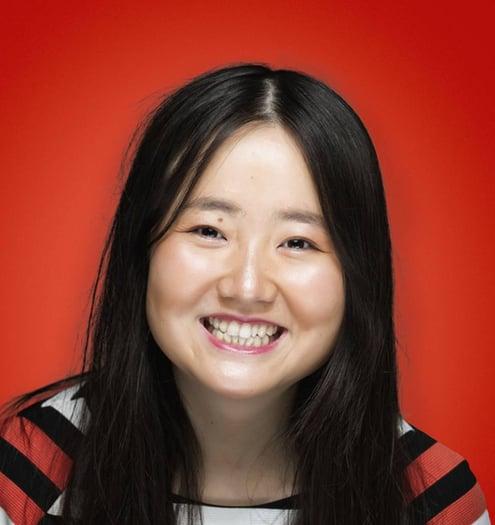 Beth Mi (she/her) Headshot