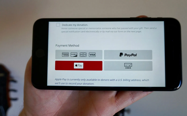 Example of nonprofit donation page with integrated Apple Pay.